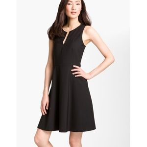 Theory Etiara - Tailor' V-Neck Dress Black, Size 6